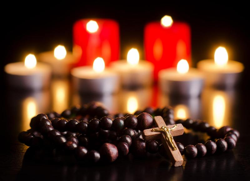 Candlelight Rosary Featured Photo