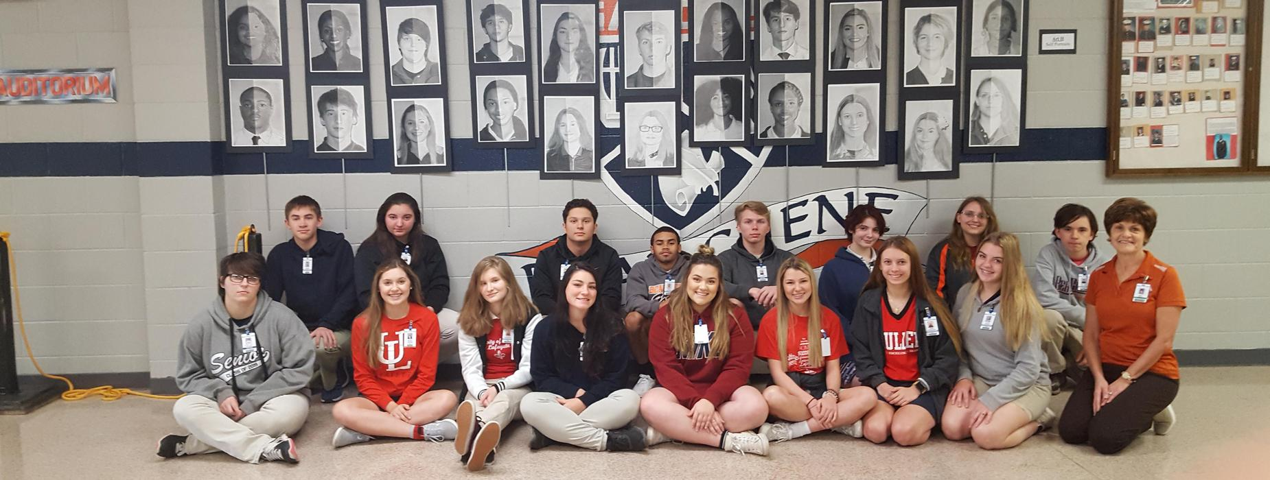 Mrs. Knott's 1st Hour Art II students