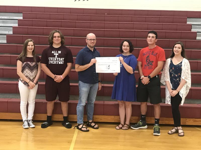 Beta Club Donation to St. Jude