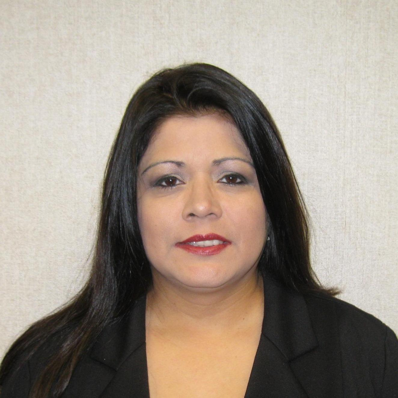 Lia Flores's Profile Photo