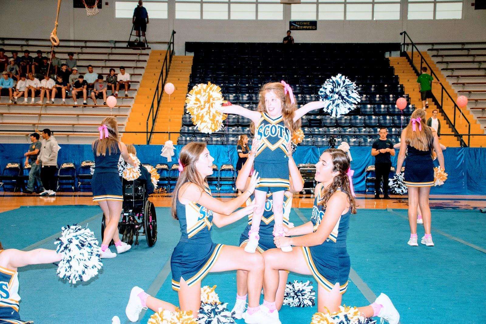 Sparkling Scots Cheerleaders