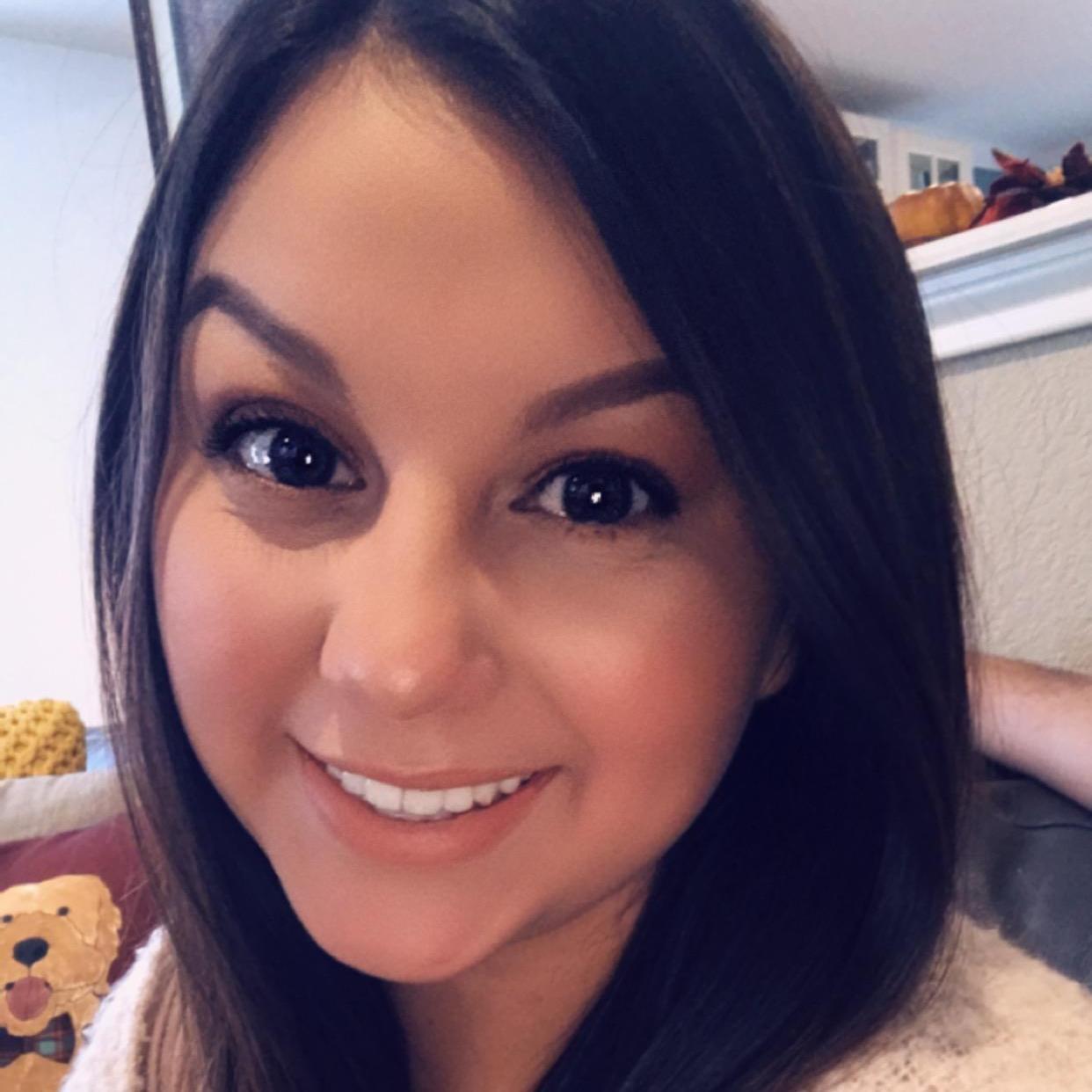 Cynthia Leal's Profile Photo