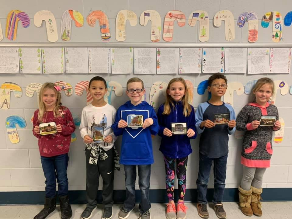 3rd graders with letters from Scotland