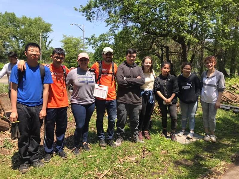 Maspeth High Green Club Learns About Invasive Plants At Ridgewood Reservoir Featured Photo