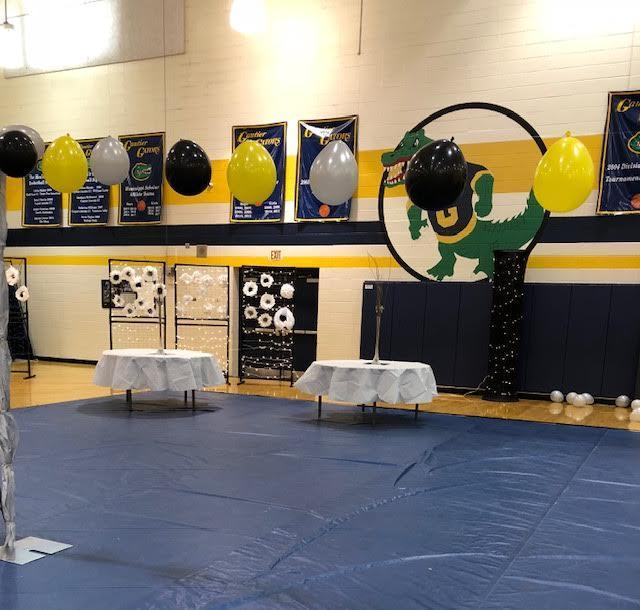 Homecoming dance decorations