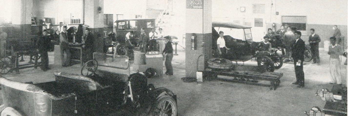 auto shop in 1929
