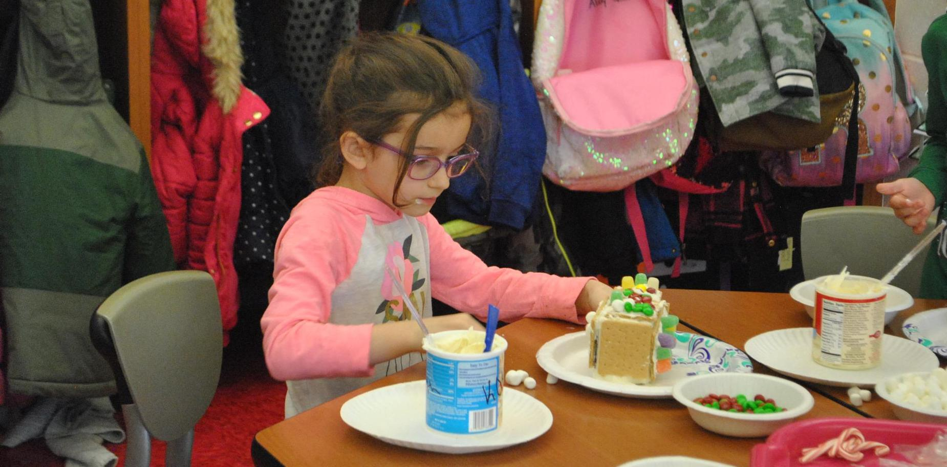 Kindergarten gingerbread house day