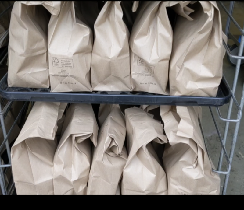 picture of brown bag lunches
