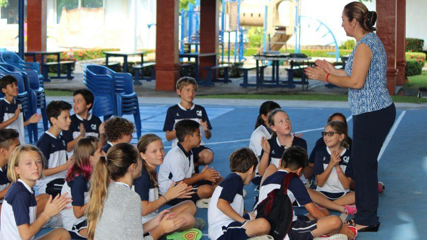 kids on a class ativity