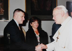 General Zinni and his wife, Debbie Zinni, during their private audience with Pope John Paul II.