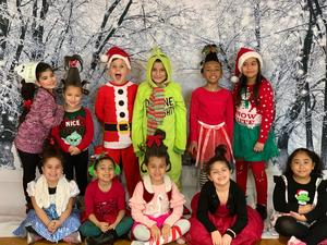 students dressed for grinch day
