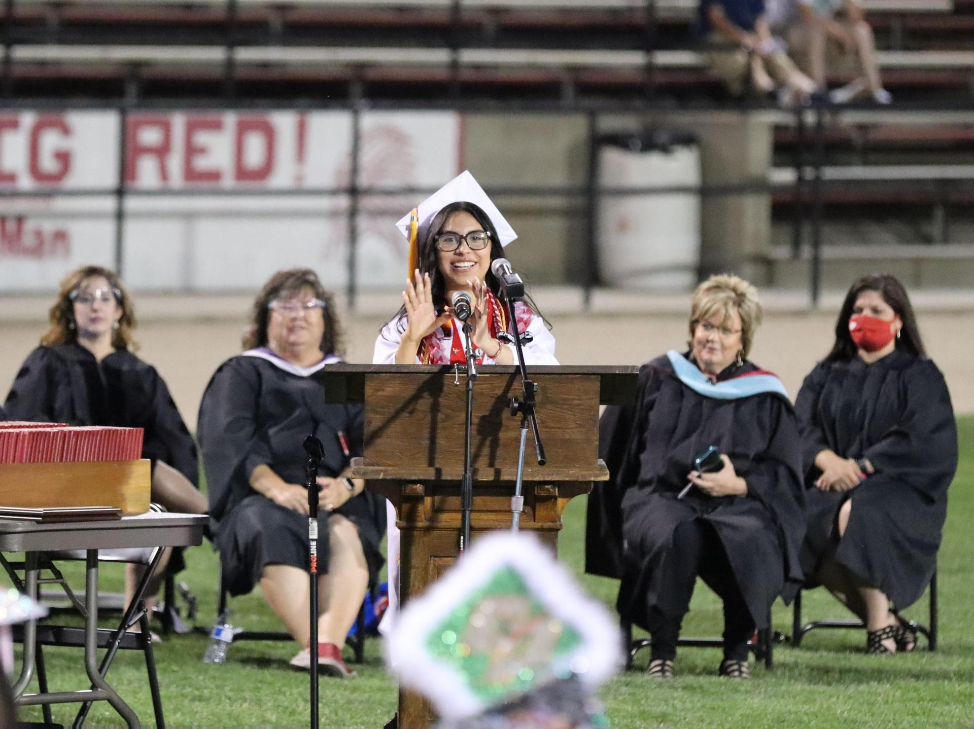Valedictorian Jennifer Lugo