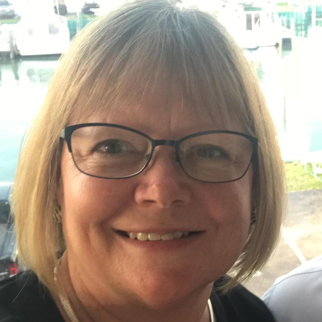 Kim Meray's Profile Photo