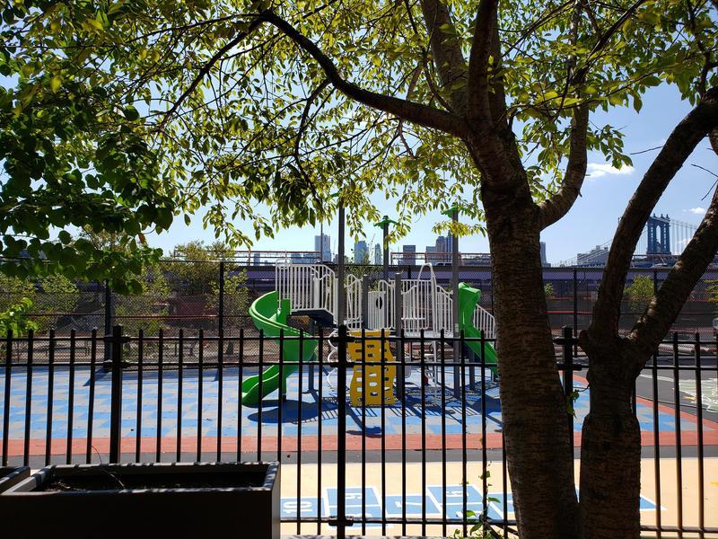 students playground學生遊戲區