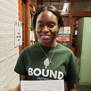 Student with Dartmouth acceptance letter