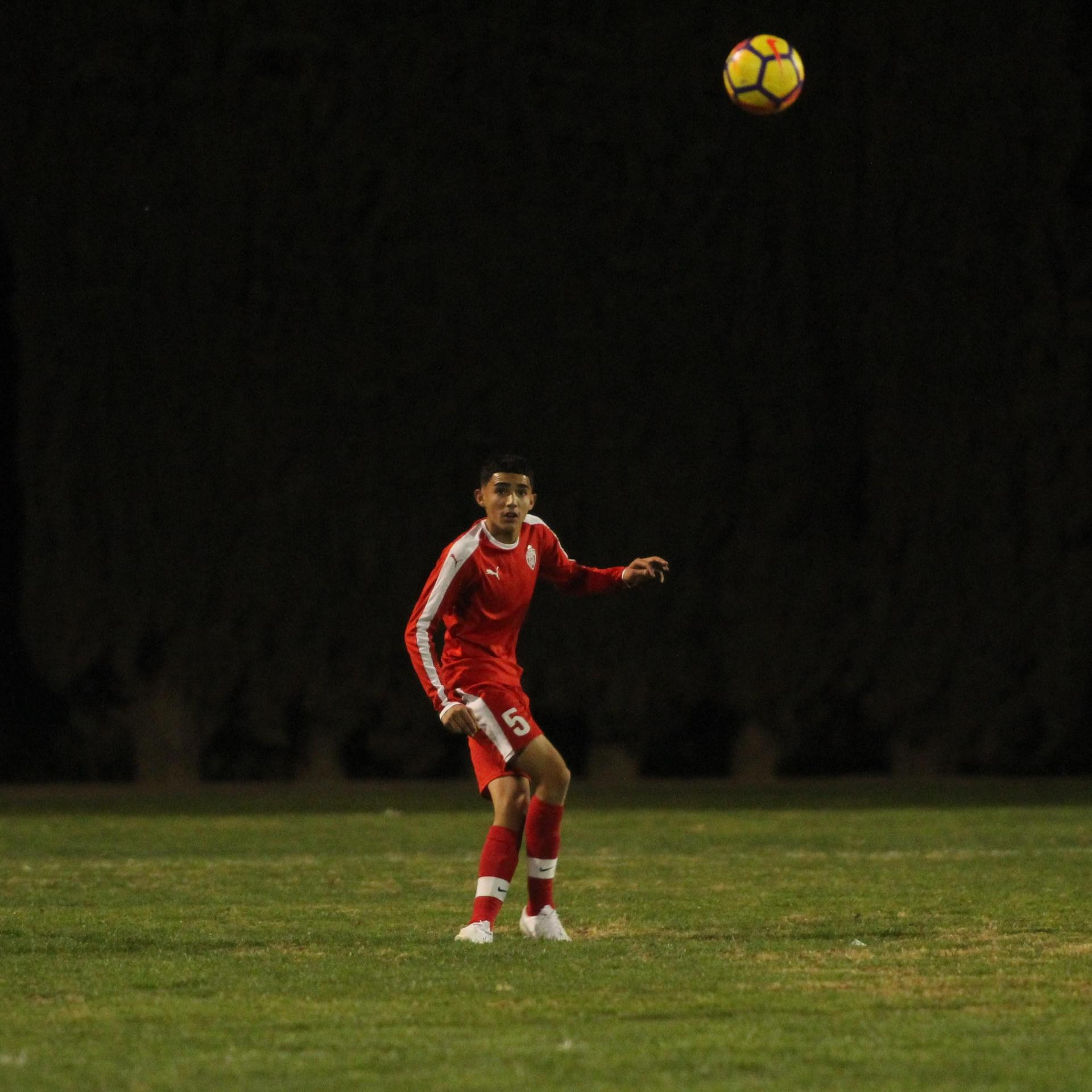 Edgar Campos kicking