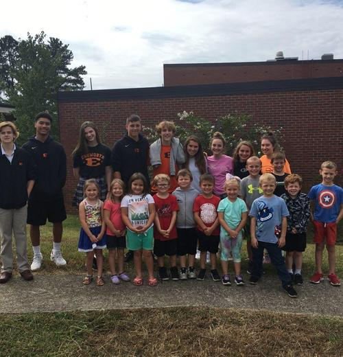 Ensworth students and kindergarten students