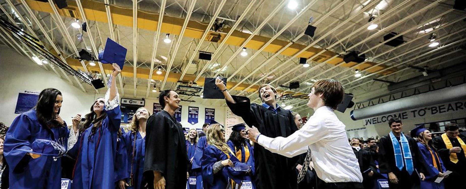DHS 2018 Graduates, photo Douglas Budget