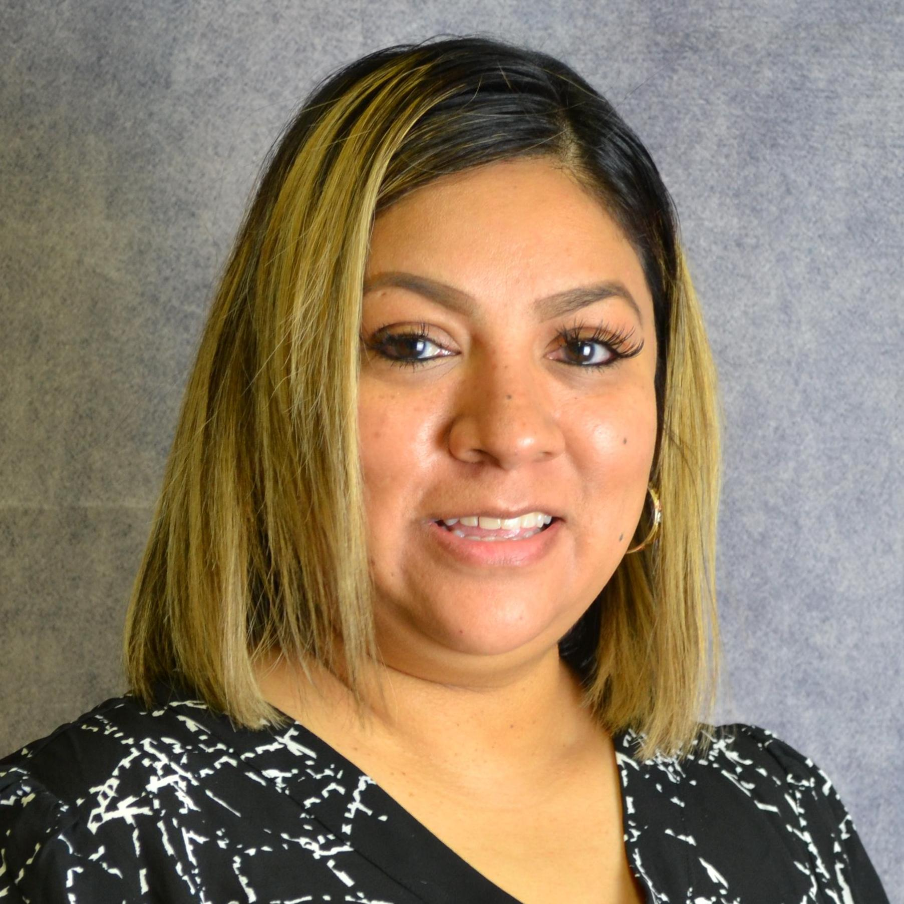 Elizabeth Pedraza's Profile Photo