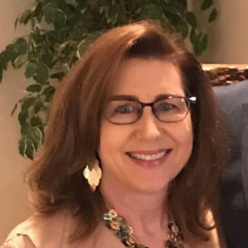 Elizabeth Cox's Profile Photo