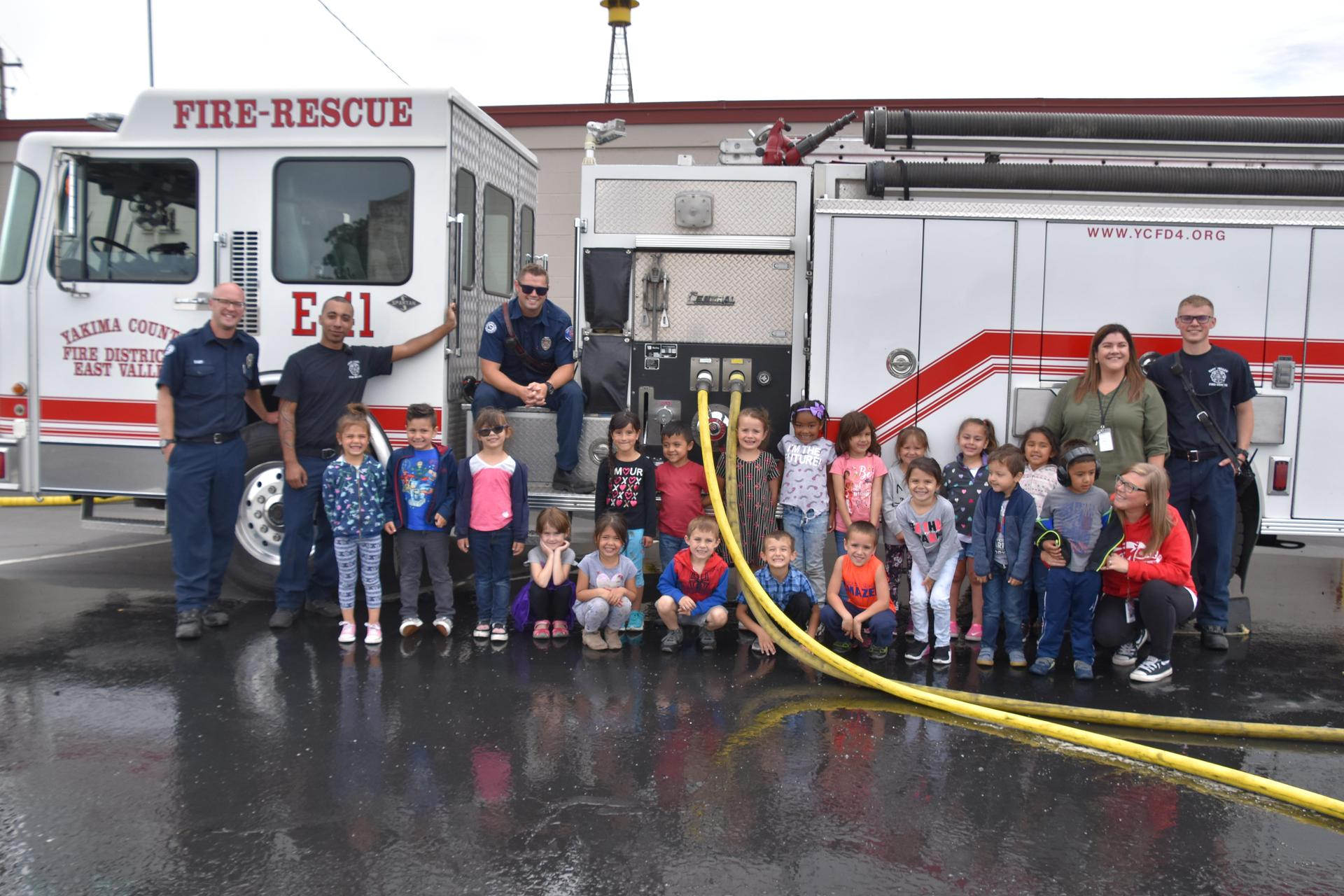 Kinder BRIDGE students take a field trip to the Moxee Fire Department to learn about fire safety!