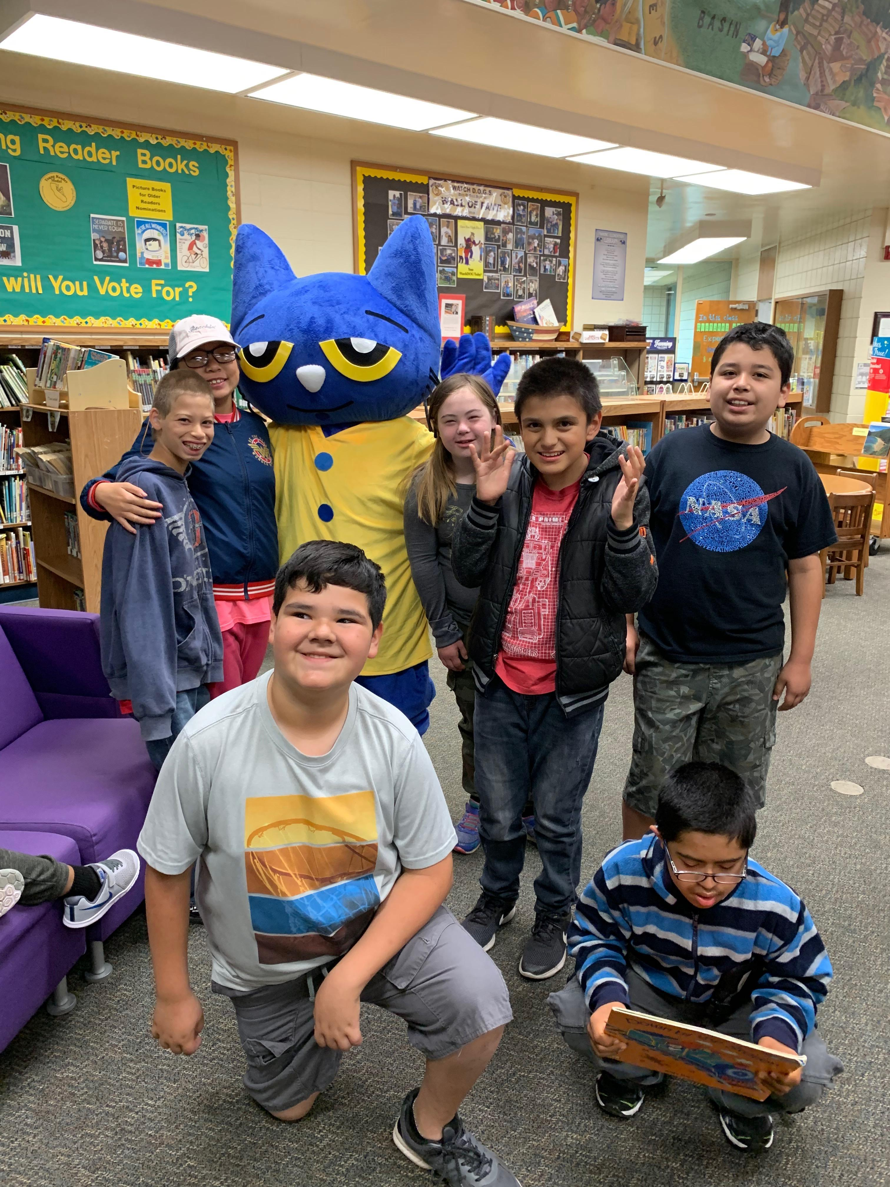 Pete visiting with Miss. Ettinger's Class!