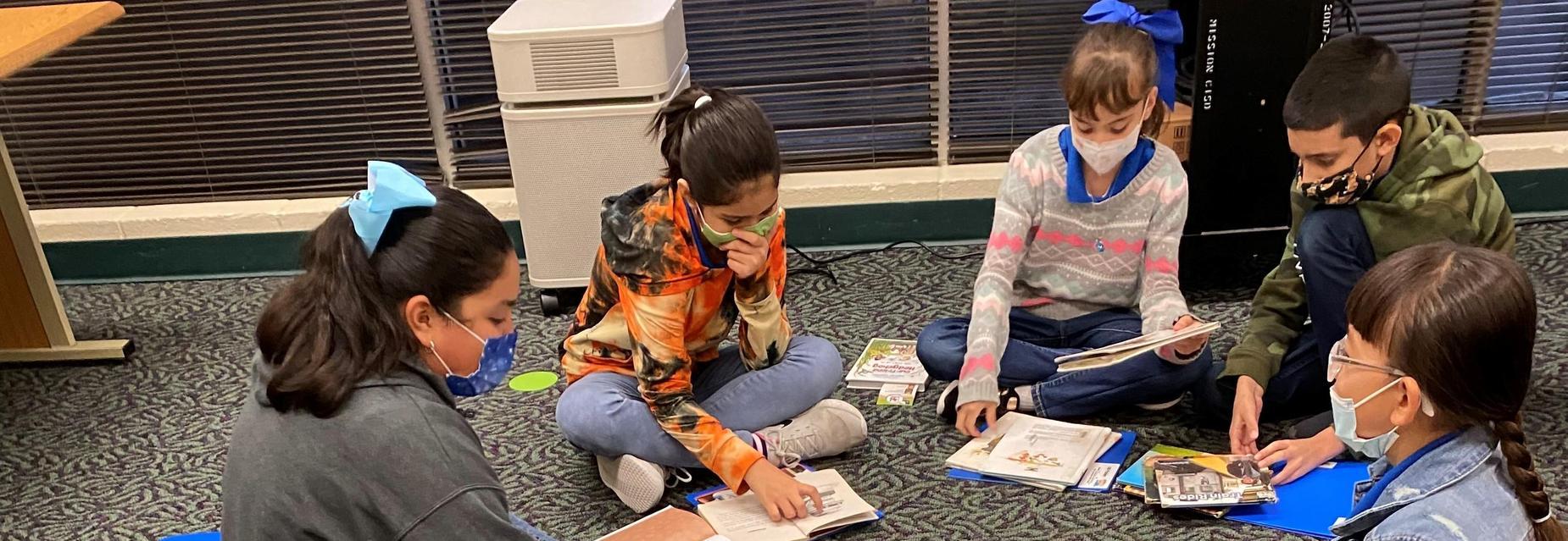4th graders reading