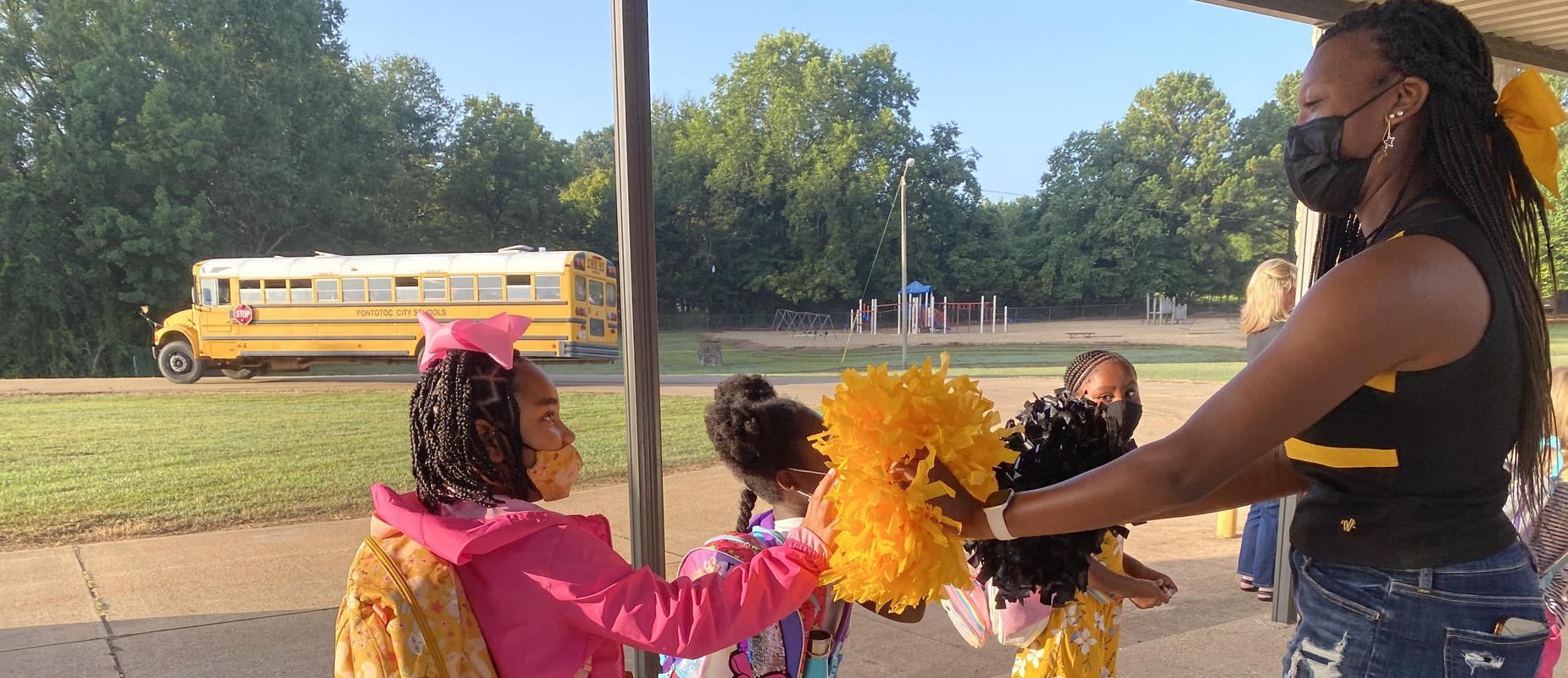 PHS cheerleader visits elementary school