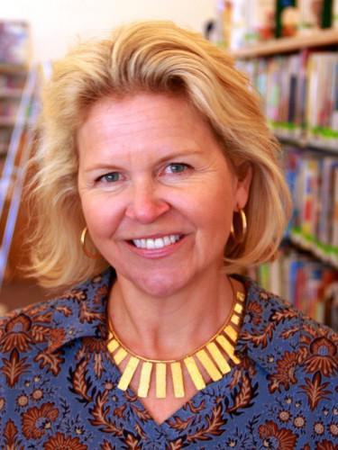 Pam Dickinson