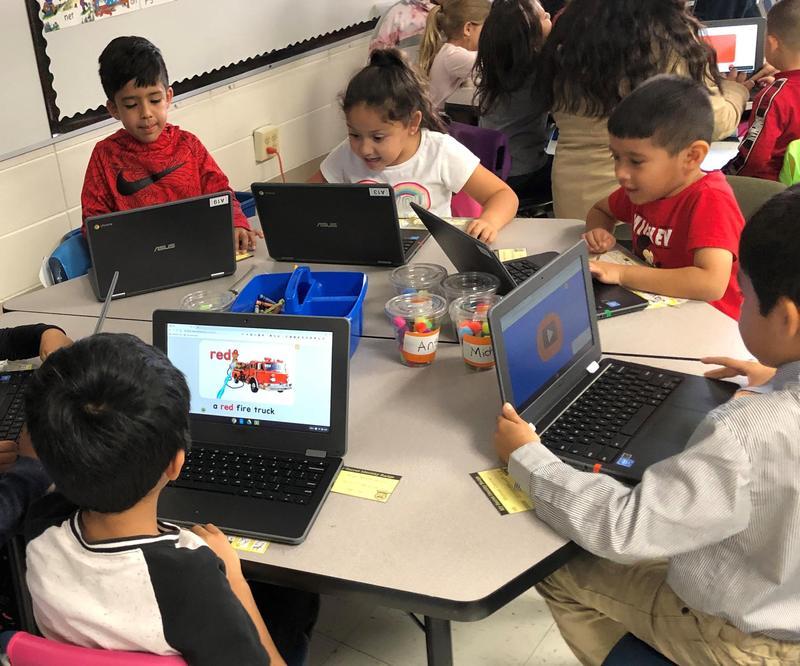 Kindergartners on computers