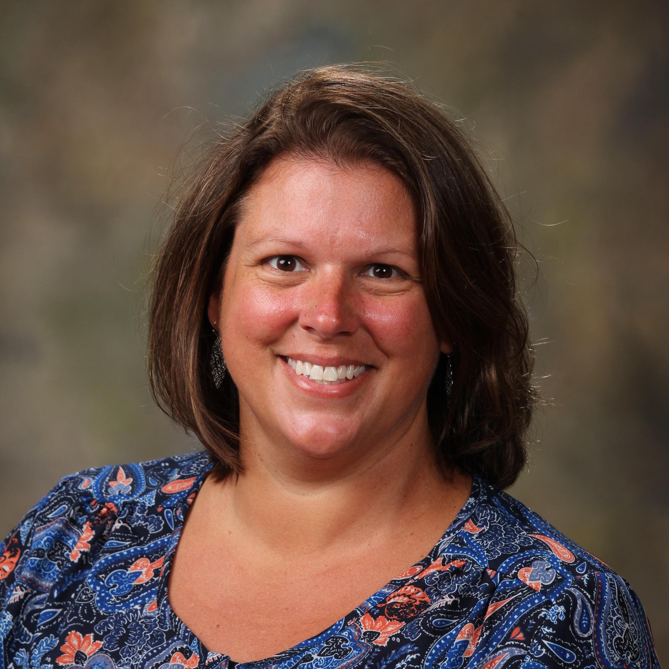 Elizabeth Lynn's Profile Photo