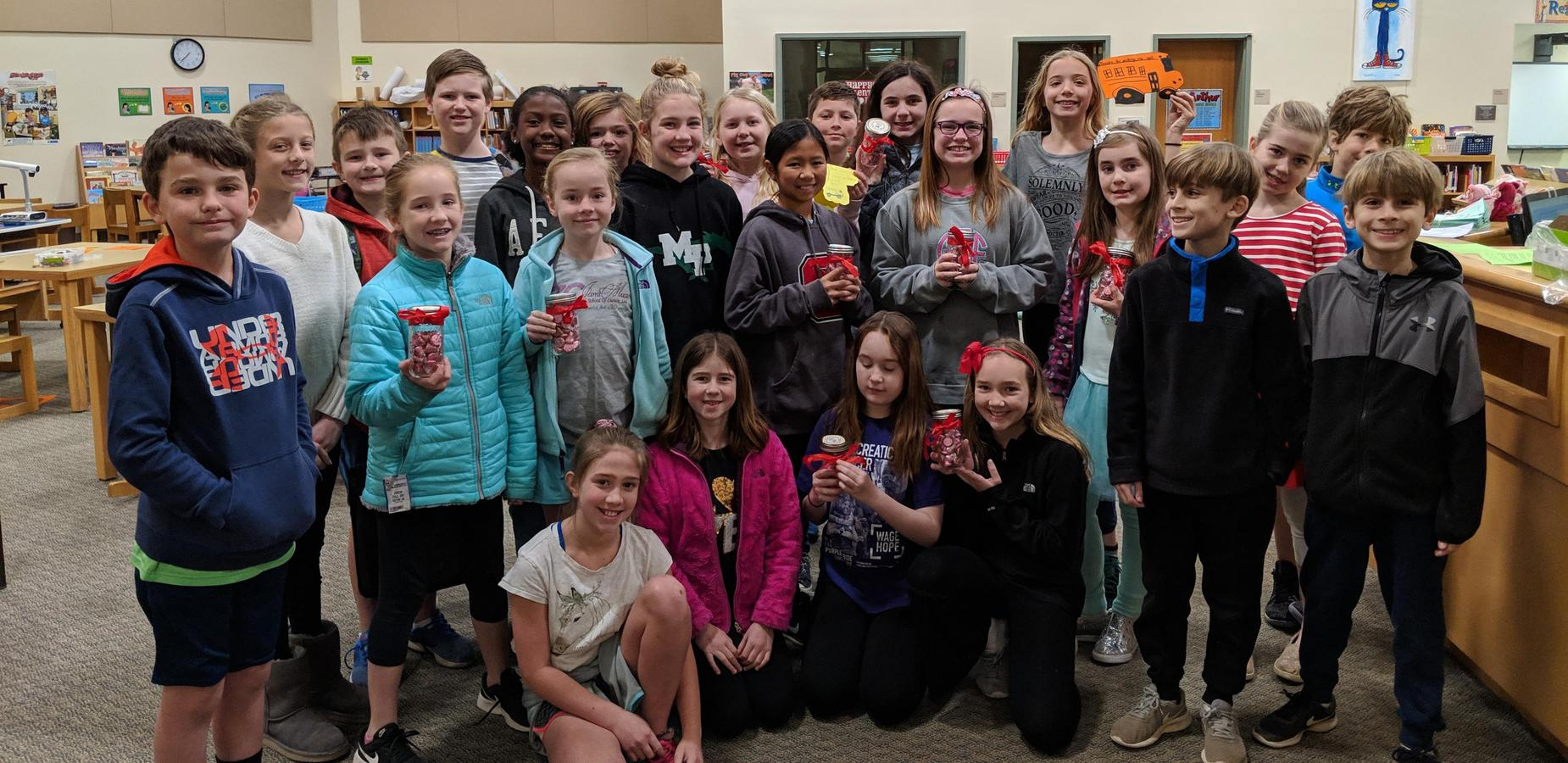 SOS Club creating gifts for bus drivers