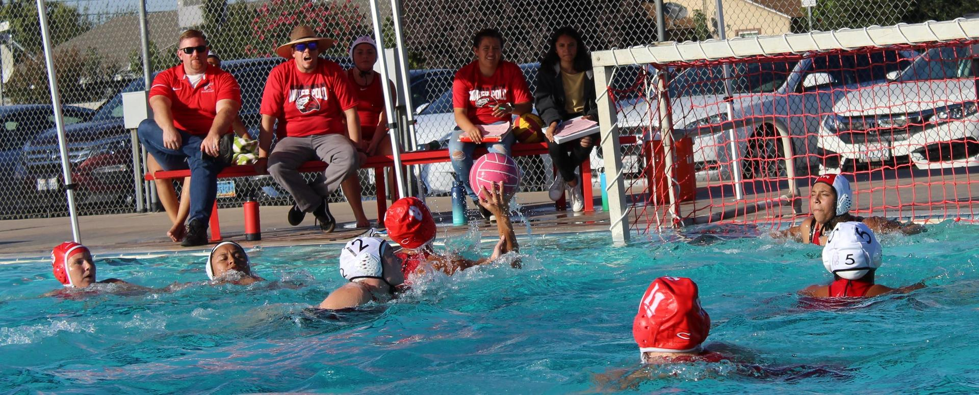 Girls playing water polo against Kerman.