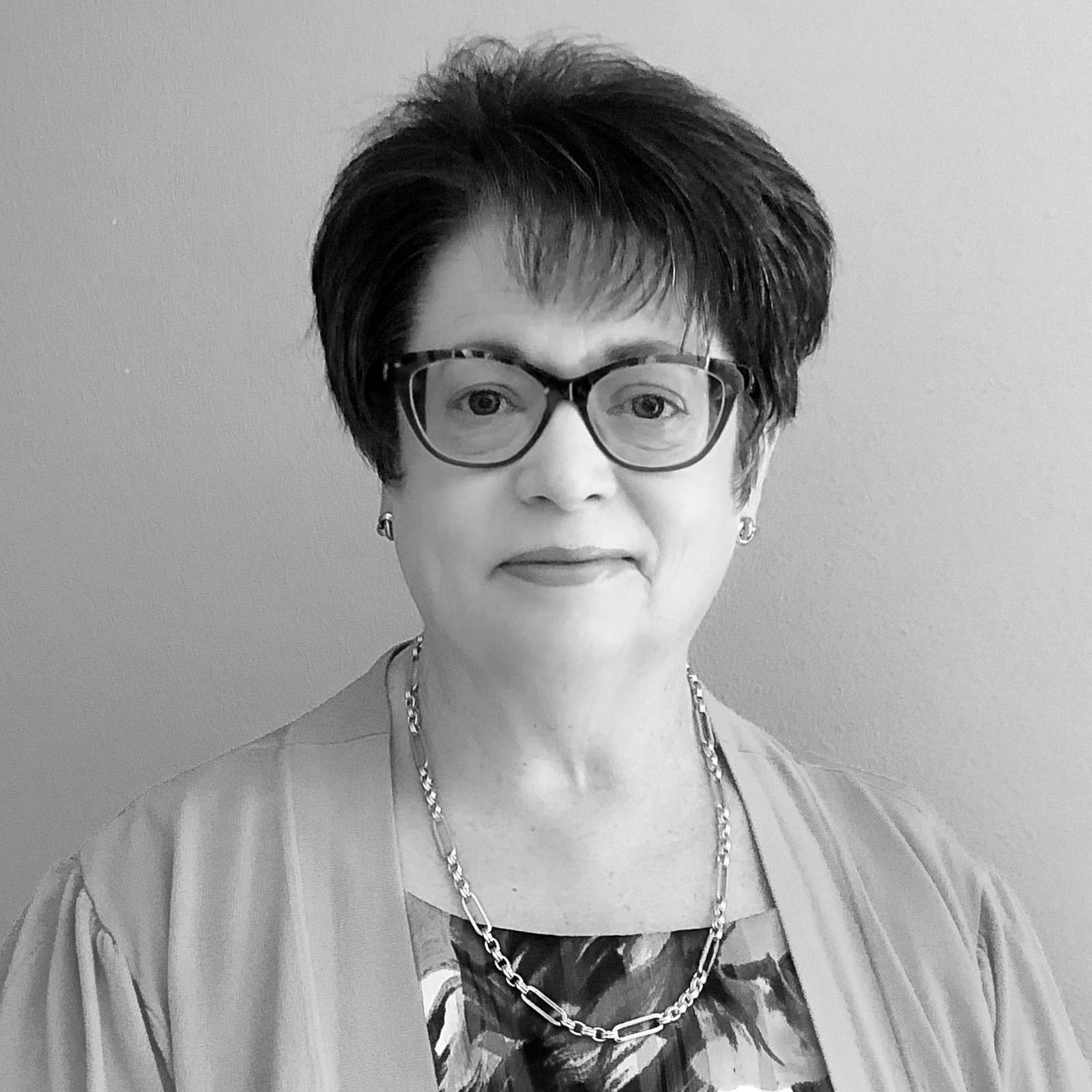 Elizabeth Pau's Profile Photo