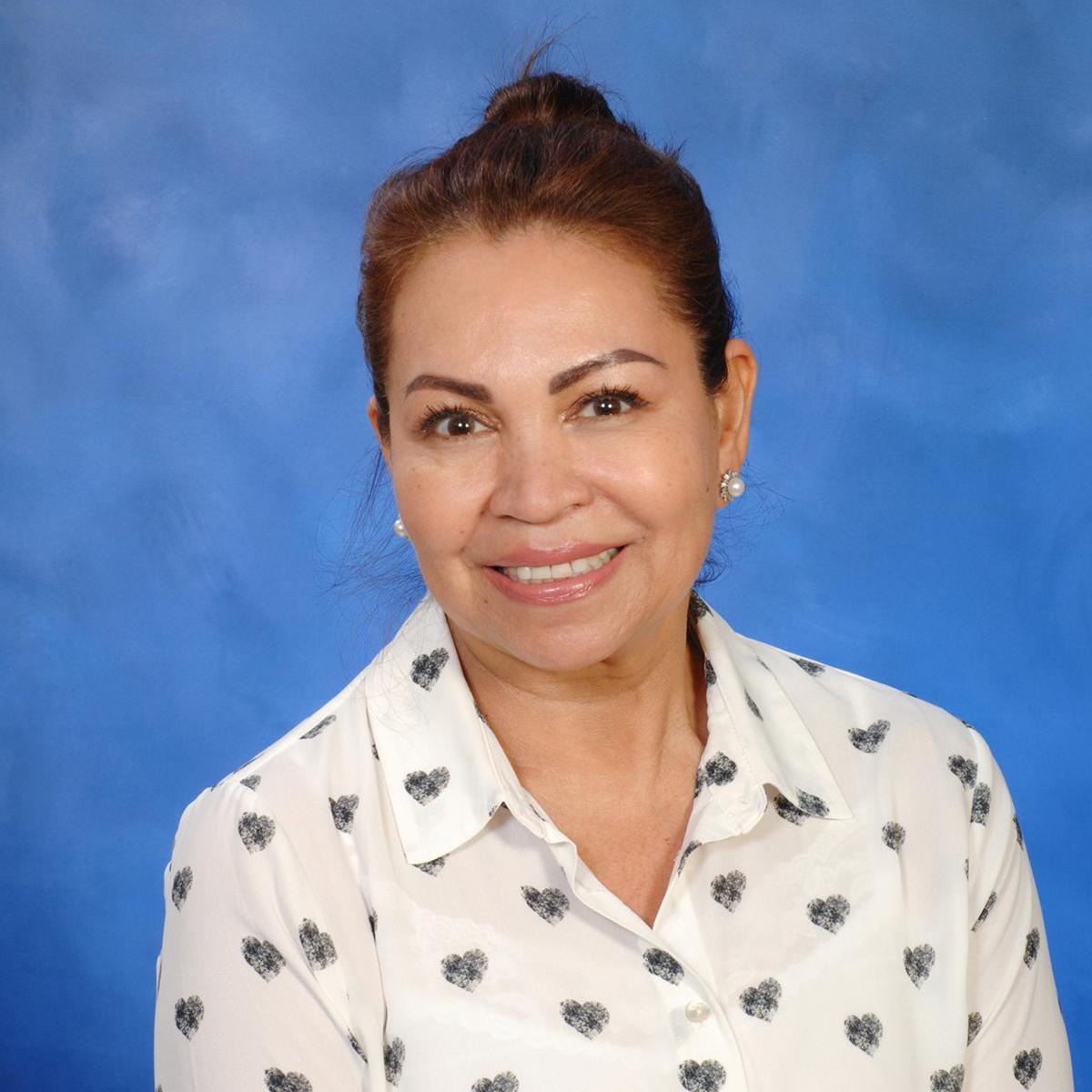 Angela Olivares's Profile Photo