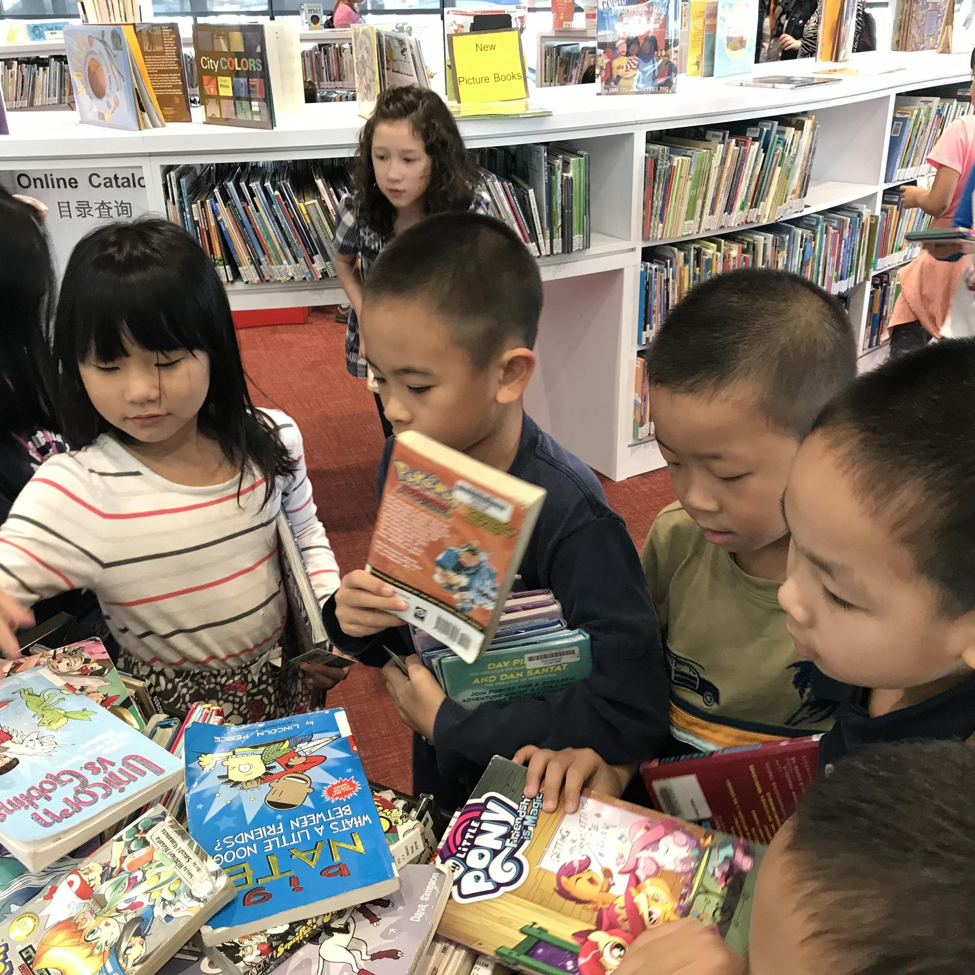 Visiting Chinatown Library