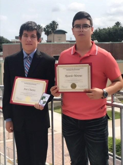 VMHS & MHS students receiving certificates