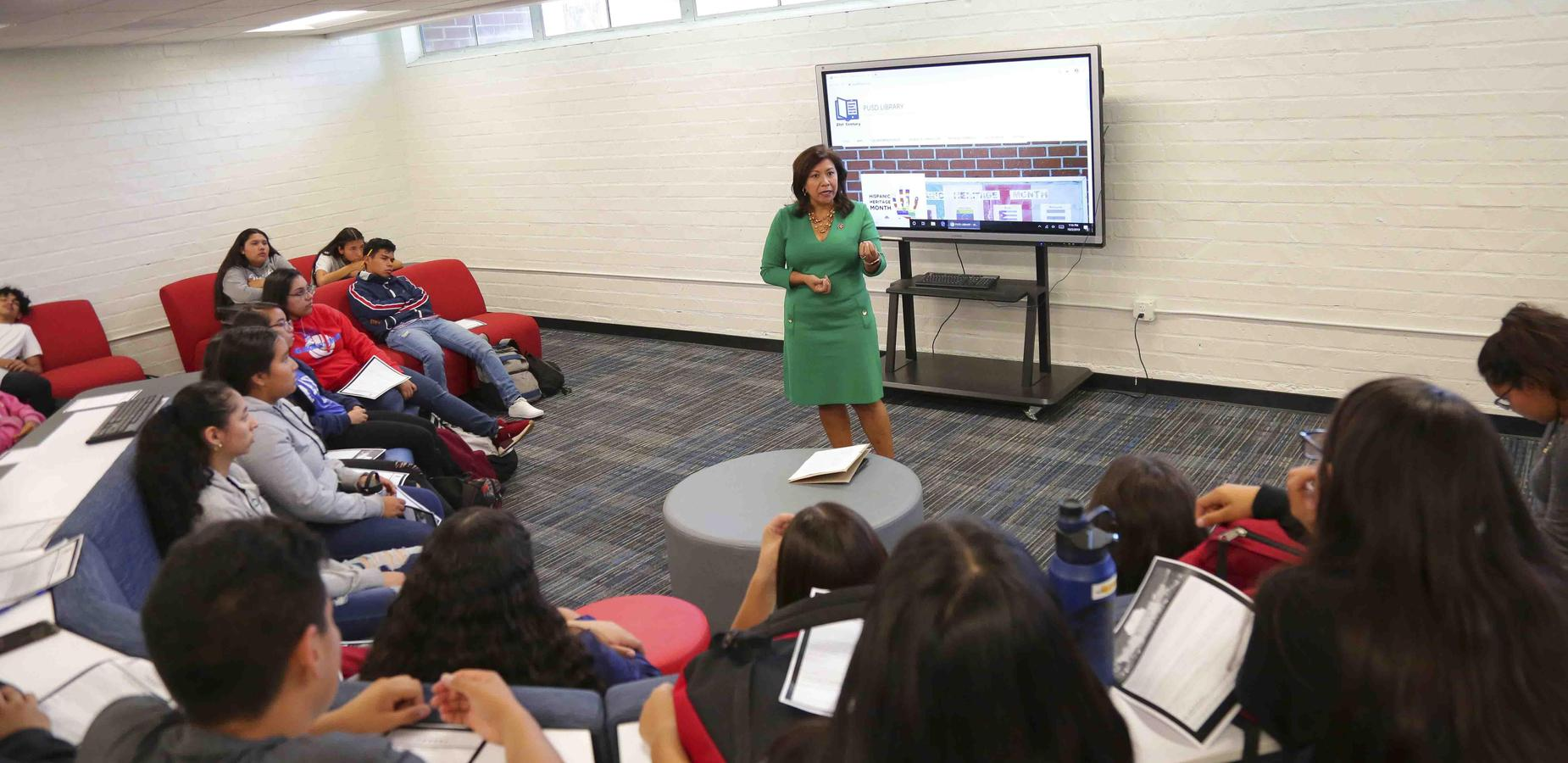 Congresswoman Torres Meets with Ganesha Students - GHS students had an opportunity to ask questions for Congresswoman Torres during her visit at the Ganesha Library #PUSD #Proud2bepusd #GaneshaGIANTS http://edl.io/n1099336