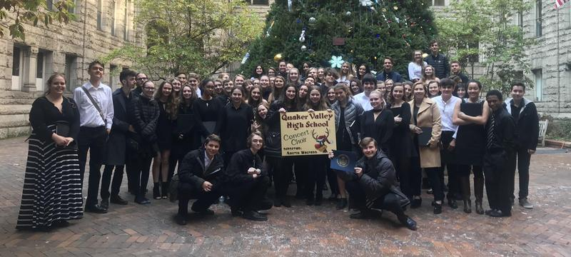 QVHS Choir at Courthouse