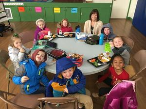 Kindergarten students at the lunch table