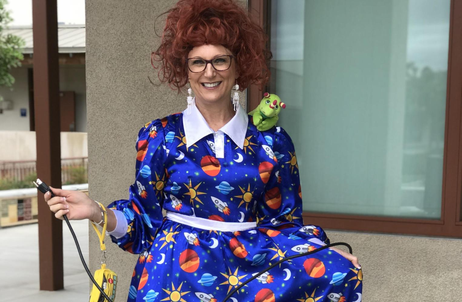 Mrs. Beeuwsaert as Mrs. Frizzle for Halloween