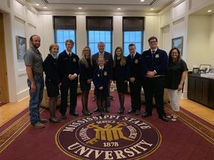 FFA Winners Visit MSU President