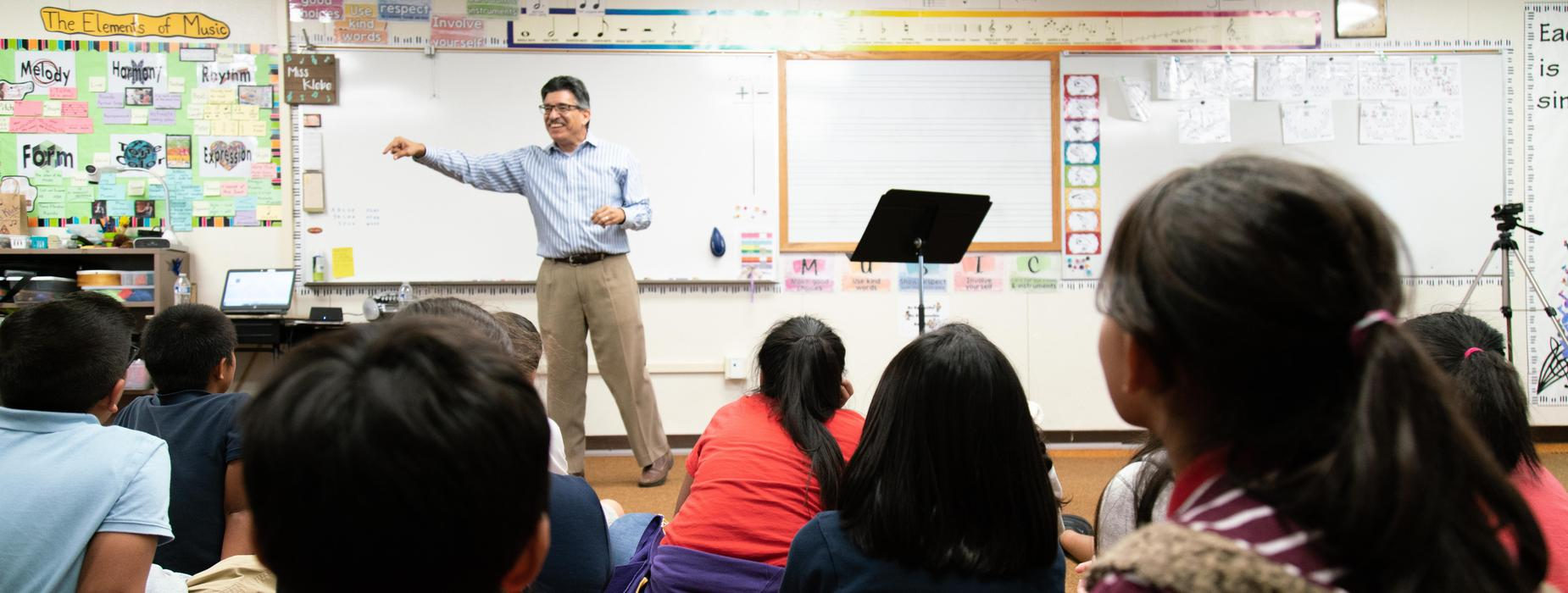 LA Times Editor Steve Padilla Music as Story Telling Session with 6th grade Garfield music students