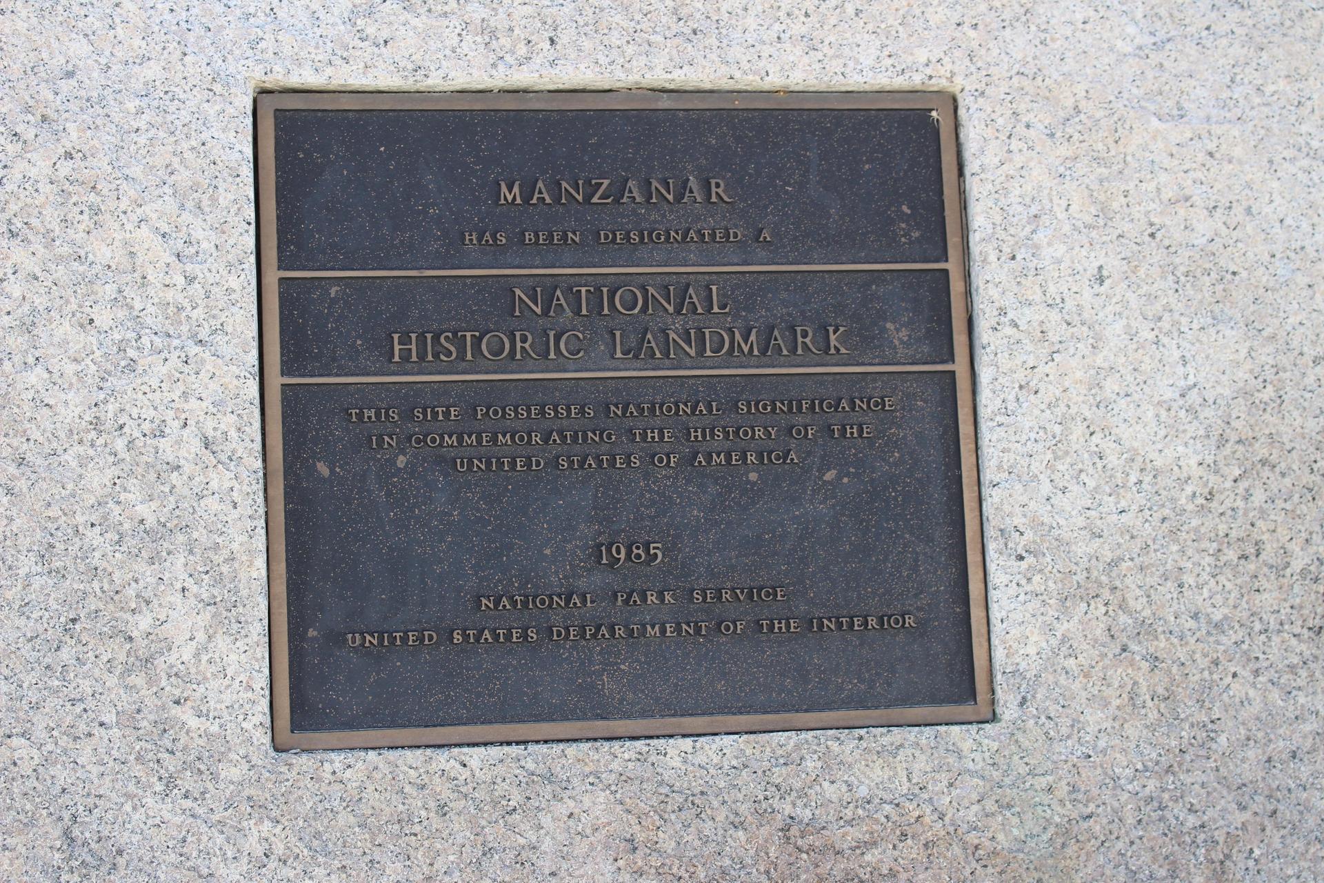 Plaque dedicating Manzanar