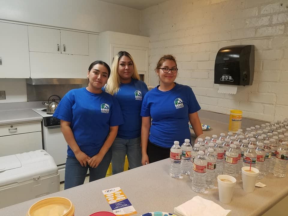 Pomona students volunteering