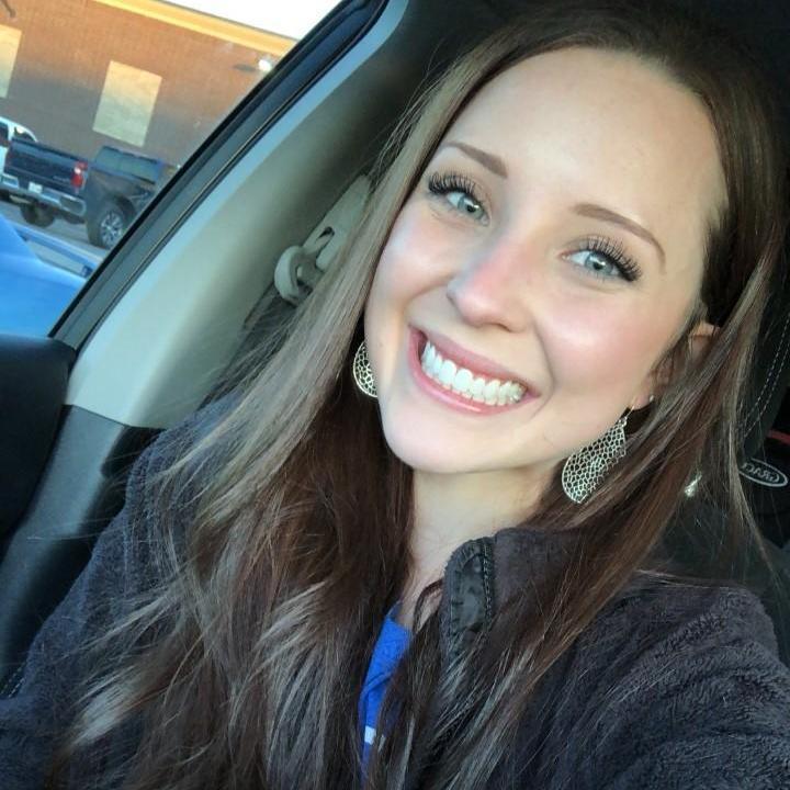 Lindsey Manoli's Profile Photo