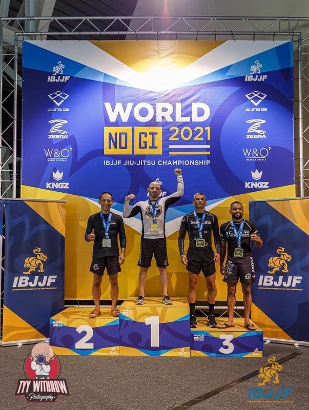 Derek Featherstun with his gold medal at the World Championships