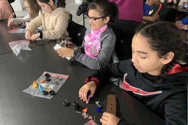 SE 5th graders enjoy STEM field trip in Chicago Thumbnail Image