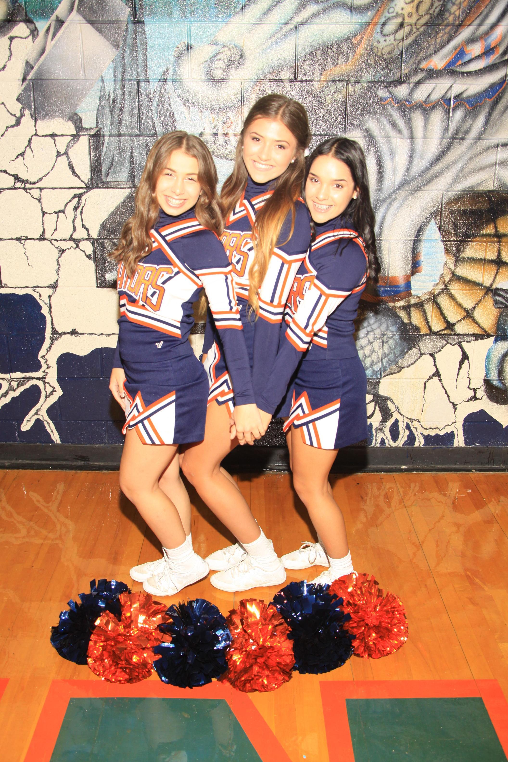 12th Grade Cheerleaders