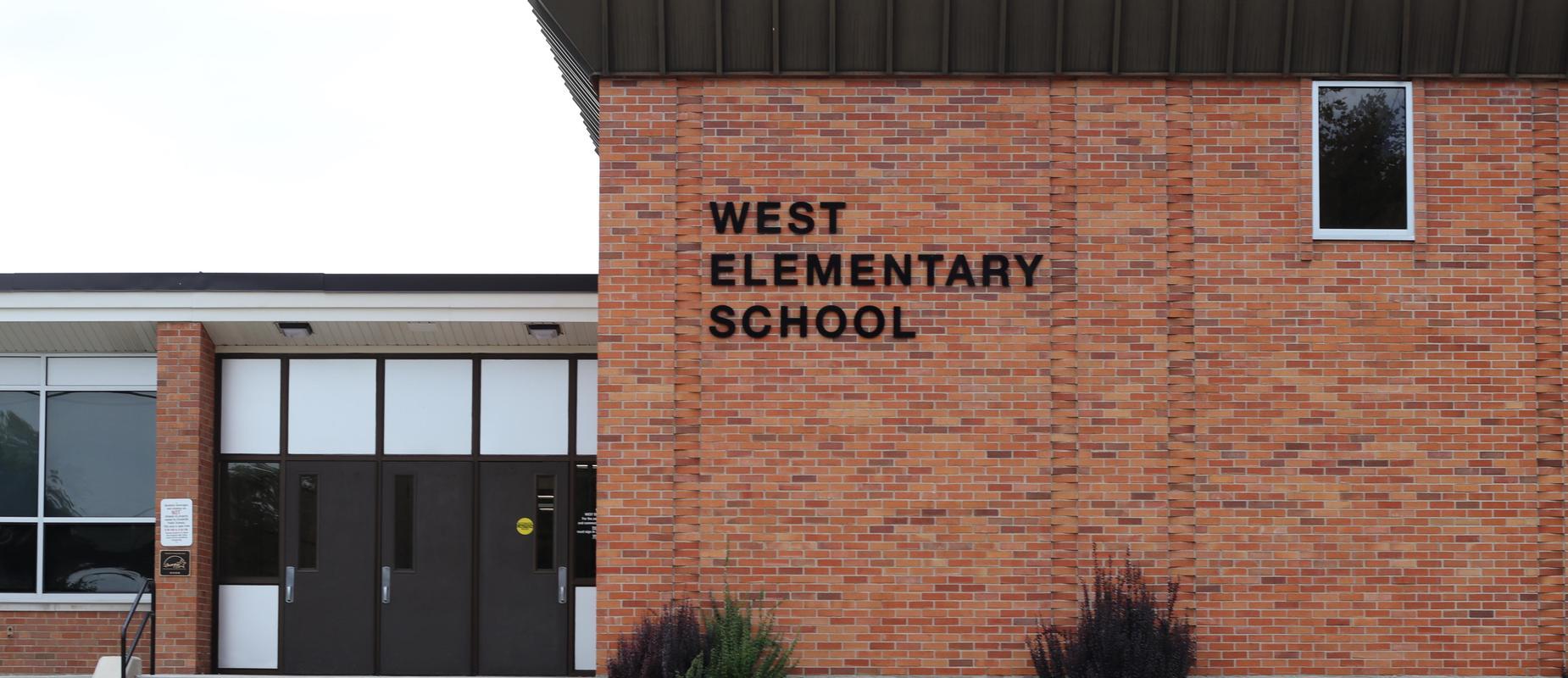 West El exterior
